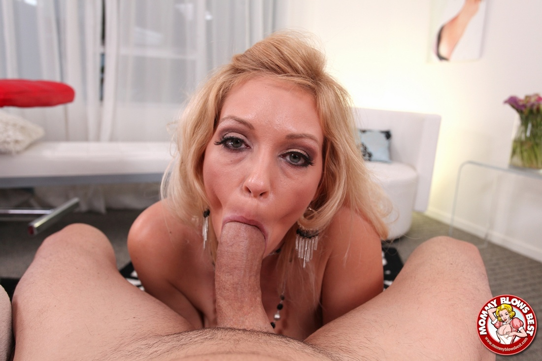 Hot blonde gets cum all over her after double penetration