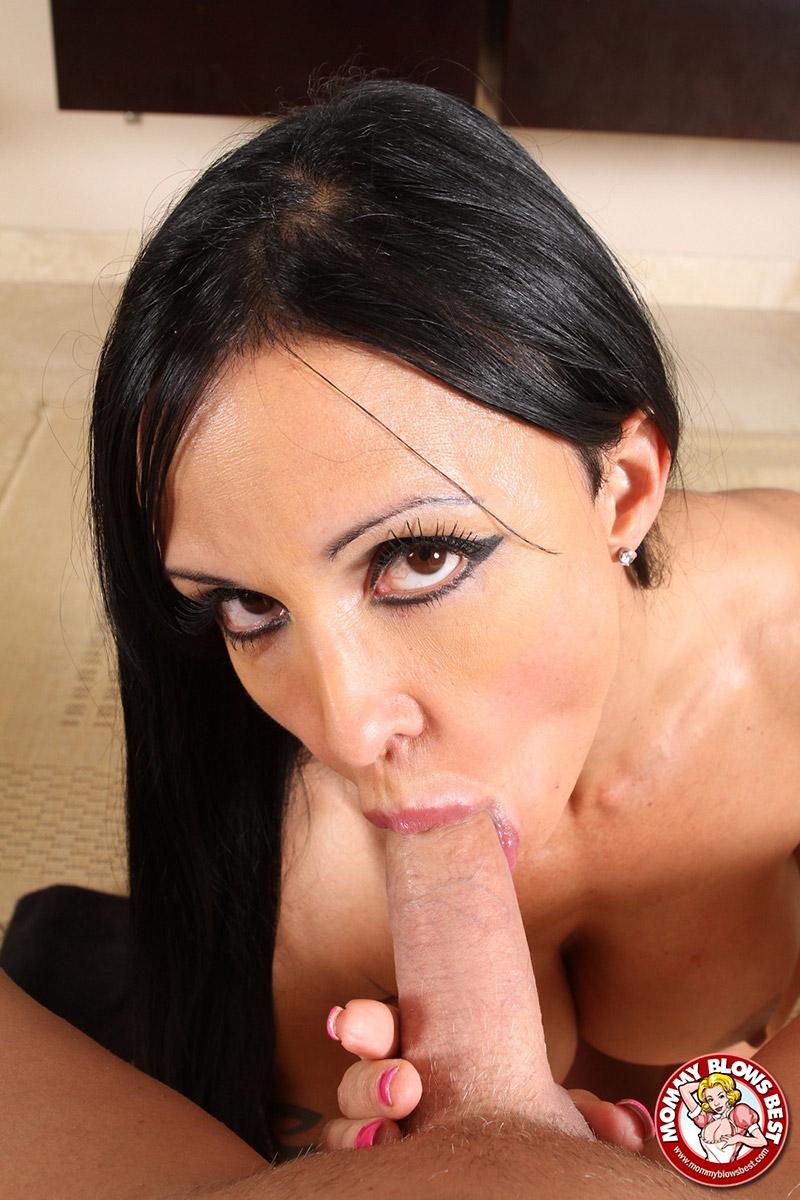 Katrina kaif sexy boobs pics