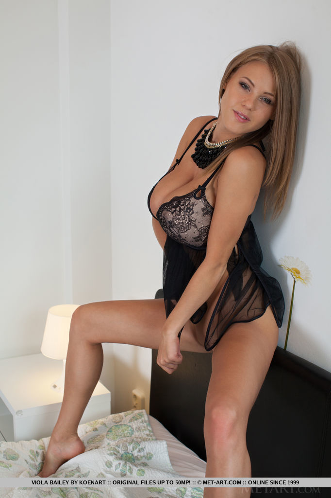 nude glamour models